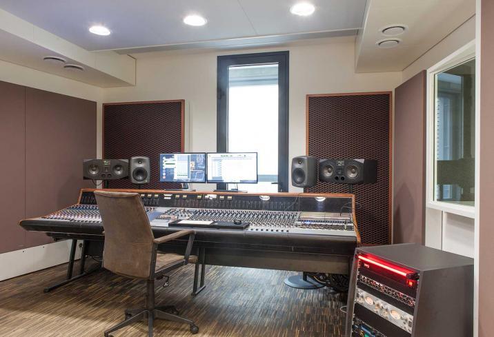 Neve Custom 75 Studio