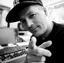 Wie baut man fette Beats? – Sleepwalker zeigt im Praxisworkshop seine Sessions für Xavier Naidoo und Kool Savas