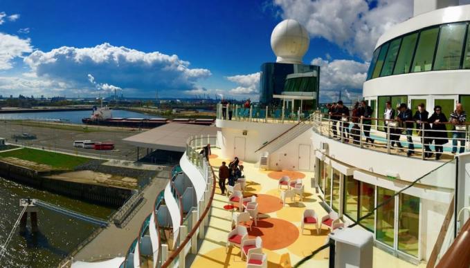 Exklsuive SAE Job Recruiting Exkursion auf einem AIDA Clubschiff