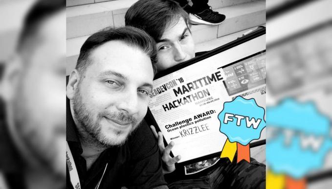 SAE Game Fachbereichsleiter und Student gewinnen mit ihrem Game beim Hackathon